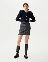 Gestuz - CleaGZ skirt SO21 - korte nederdele - navy/white check - 0