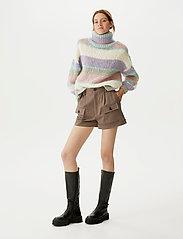 Gestuz - AbiGZ shorts SO21 - shorts casual - earth - 0