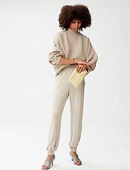 Gestuz - ChrisdaGZ HW pants - sweatpants - pure cashmere - 0
