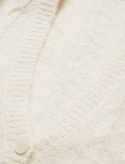 Gestuz - DoaGZ ss cardigan MS21 - cardigans - off white - 3