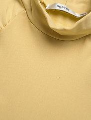 Gestuz - RifaGZ ss turtleneck - kortærmede bluser - dried moss - 4
