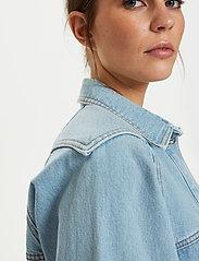 Gestuz - DacyGZ shirt - tøj - light blue vintage - 0