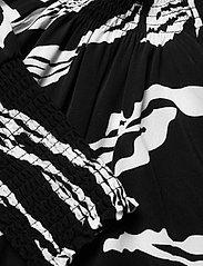 Gestuz - ZohaGZ blouse MS21 - langærmede bluser - black scratch - 3