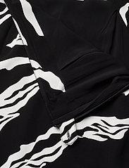 Gestuz - ZohaGZ skirt MS21 - midinederdele - black scratch - 5