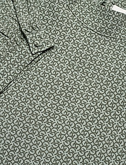 Gestuz - MoaGZ blouse MS21 - langærmede bluser - green logo - 6