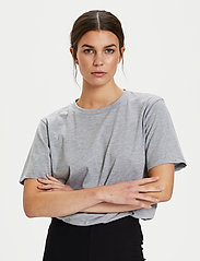 Gestuz - RoxieGZ ss tee NOOS - t-shirts - grey melange - 0