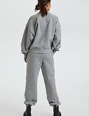 Gestuz - ChrisdaGZ MEL sweatpants - sweatpants - light grey melange - 4