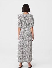 Gestuz - DisGZ wrap dress - sommerkjoler - grey wave - 3