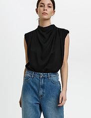 Gestuz - BertaGZ sl blouse - Ærmeløse bluser - black - 0