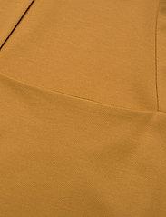 Gestuz - MalbaGZ squareneck tee - t-shirts - bone brown - 4