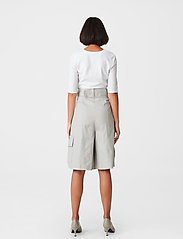 Gestuz - MalbaGZ squareneck tee - t-shirts - bright white - 3