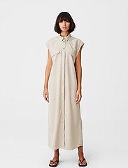 Gestuz - LeejaGZ sl shirt dress - sommerkjoler - pure cashmere - 0