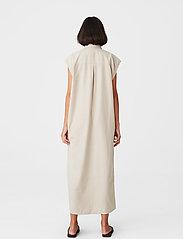 Gestuz - LeejaGZ sl shirt dress - sommerkjoler - pure cashmere - 3