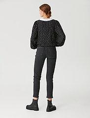 Gestuz - KatlaGZ ls shirt - langærmede skjorter - black w. white dot - 3