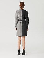 Gestuz - SillaGZ blazer dress - hverdagskjoler - washed grey - 3