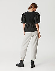 Gestuz - CristinGZ blouse - kortærmede bluser - black - 4