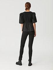 Gestuz - CristinGZ blouse - kortærmede bluser - black - 5