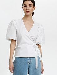 Gestuz - NemaGZ wrap blouse - kortærmede bluser - bright white - 0