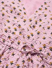 Gestuz - AveryGZ blouse - kortærmede bluser - fragrant lilac/yellow tulip - 6