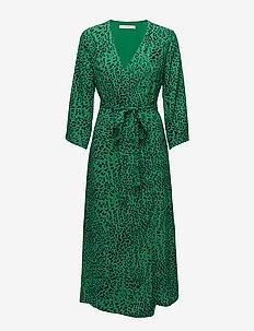 Loui dress AO18 - robes portefeuille - green leopard