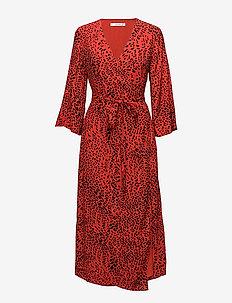Loui dress AO18 - robes portefeuille - red leopard