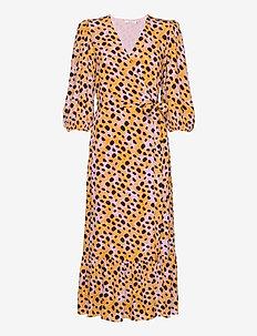 UrielGZ wrap dress - omslagskjoler - orange leo
