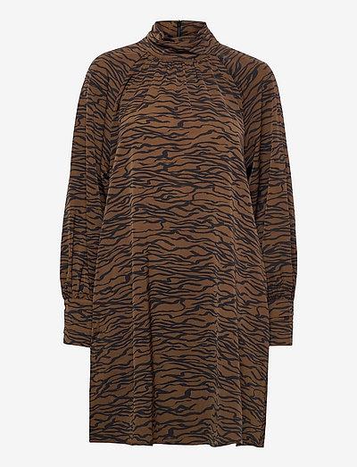 SigridGZ short dress - sommerkjoler - forrest lines