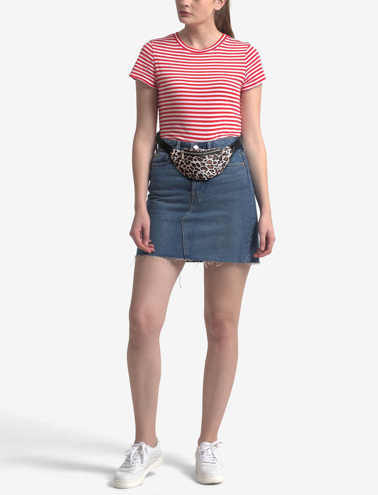 Gina Tricot Mini waist bag   Magväskor