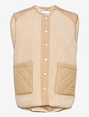 Global Funk - Vinson - knitted vests - sand sugar mix - 0