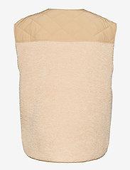 Global Funk - Vinson - knitted vests - sand sugar mix - 1