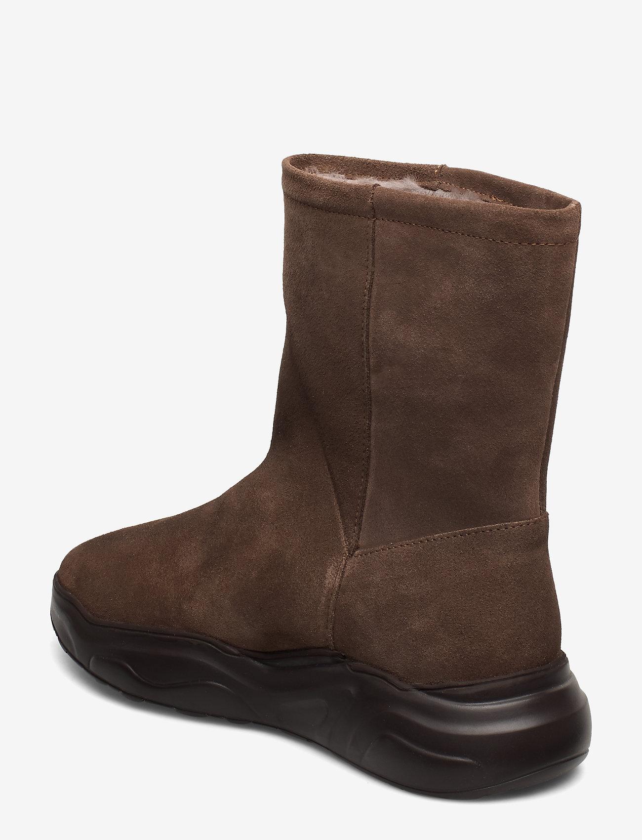 558g Boot Walnut Suede (Walnut) - Gram