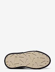 Gram - 392g black vegan leather - låga sneakers - black vegan leather - 4