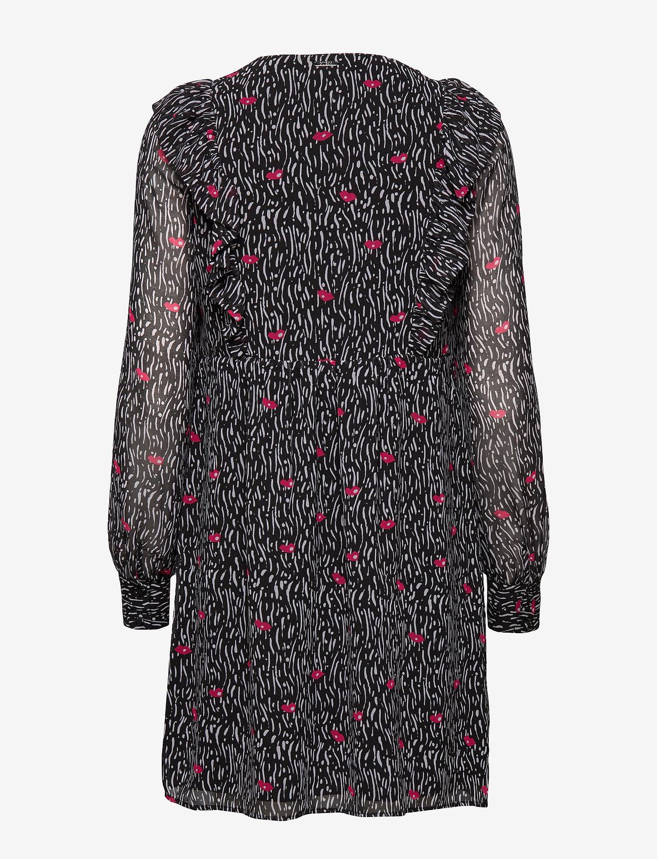 GUESS Jeans - JOHARA DRESS - krótkie sukienki - lips and lines bl - 1