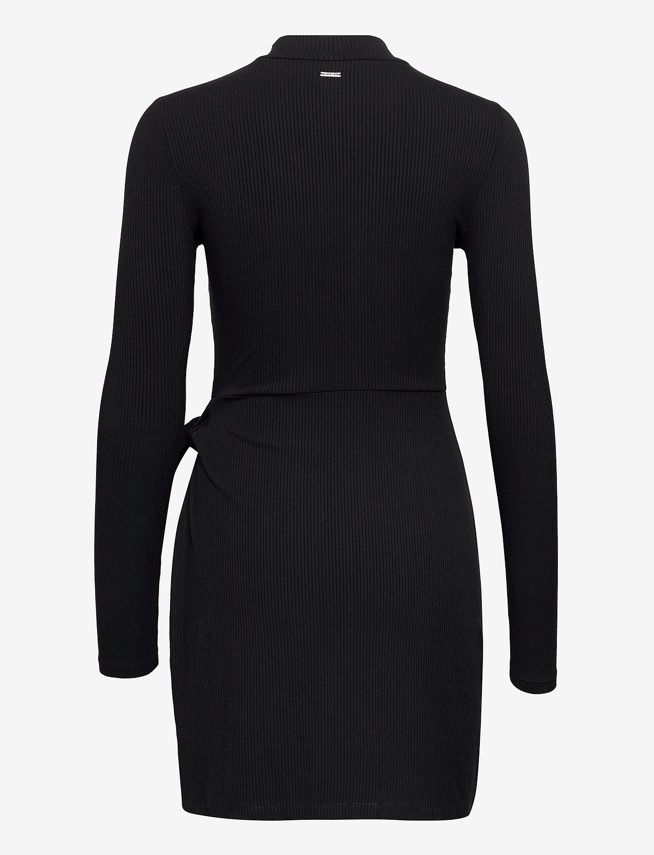 GUESS Jeans - NURSELI DRESS - robes de jour - jet black a996 - 1