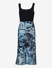 GUESS Jeans - SL TALIA DRESS - stickade klänningar - tie dye zebra pri - 0