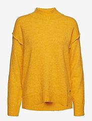 GUESS Jeans - LS TN LAURA SWEATER - rollkragenpullover - desert sun - 0