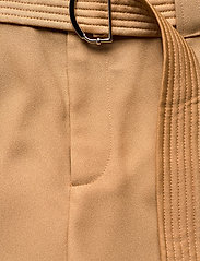 GUESS Jeans - PRESLEY TROUSERS - casual byxor - light caramel - 5