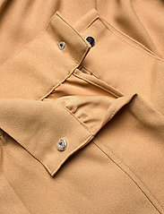 GUESS Jeans - PRESLEY TROUSERS - casual byxor - light caramel - 9