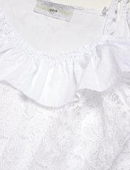 GUESS Jeans - SS NEW OLIMPIA TOP - Ärmlösa blusar - true white a000 - 2