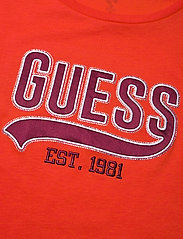 GUESS Jeans - SS CN MARISOL TEE - t-shirts - blazed amber - 2