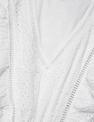 GUESS Jeans - AISHA DRESS - sommerkjoler - true white a000 - 2