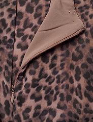 GUESS Jeans - AYAR DRESS - sommarklänningar - iconic leopard br - 3