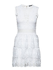 GEN DRESS - TRUE WHITE A000