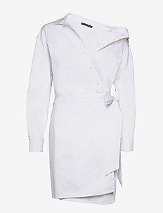 KARYDA DRESS - midi kjoler - true white a000