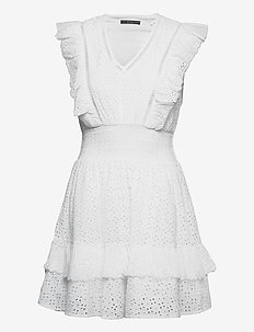 AISHA DRESS - alledaagse jurken - true white a000