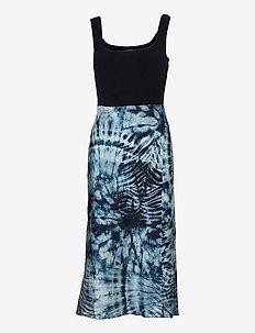 SL TALIA DRESS - midiklänningar - tie dye zebra pri