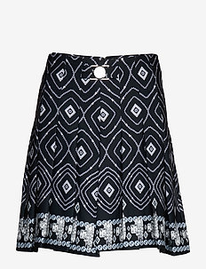 ZOEY SKORT - OPTICAL JEWEL BLA