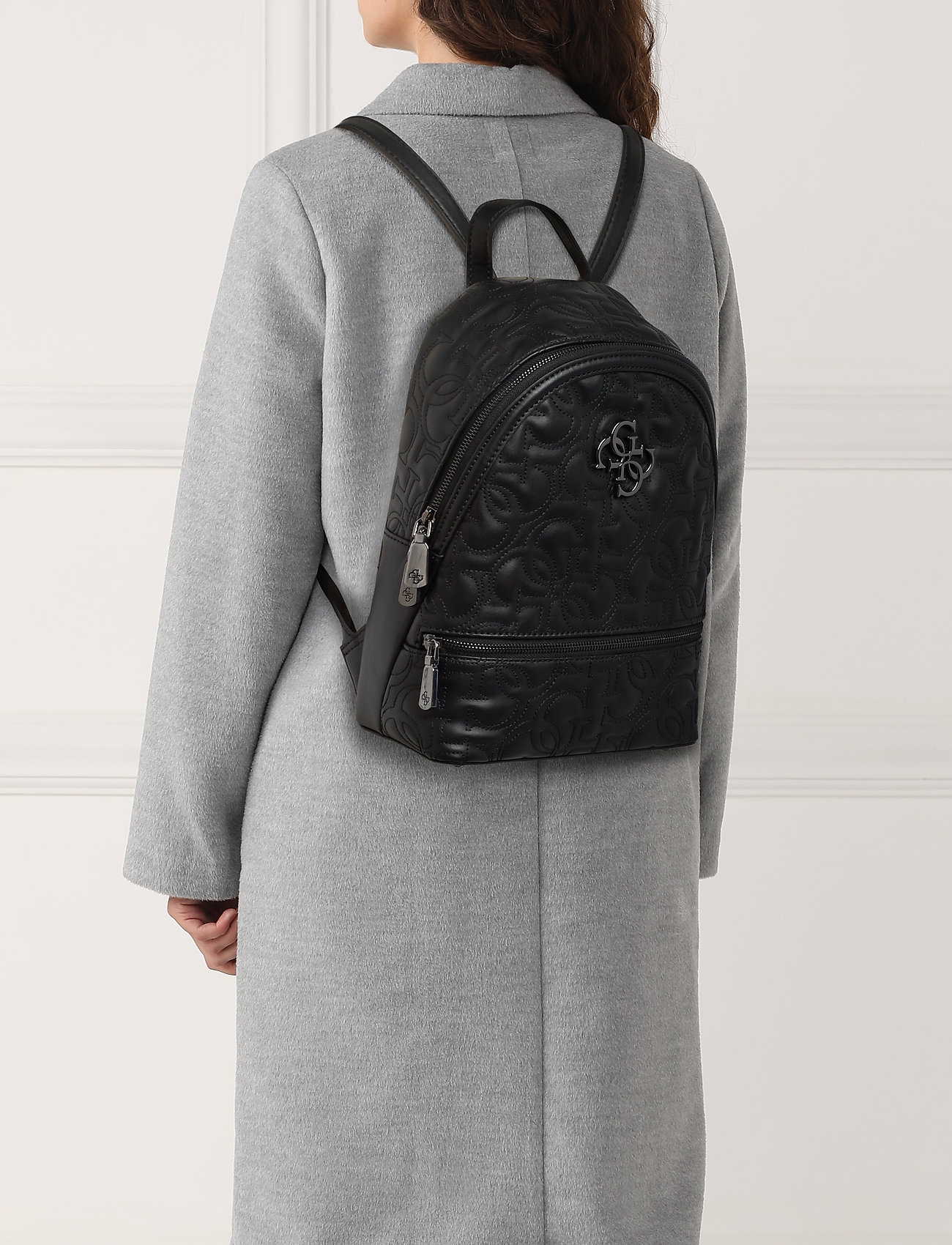 GUESS NEW WAVE BACKPACK - BLACK