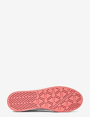 GUESS - BARONA/ACTIVE LADY/LEATHER LIK - baskets - white - 4