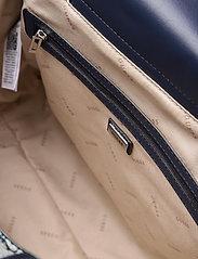 GUESS - MONIQUE TOTE - shoppingväskor - blue - 4